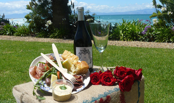 Cape Town Picnic Guide 2012/2013: Picnic Baskets